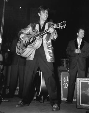 Resultado de imagem para elvis gold lame suit 1957