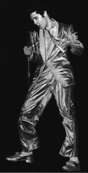 The Story Of Elvis Presley S Gold Lam 233 Suit